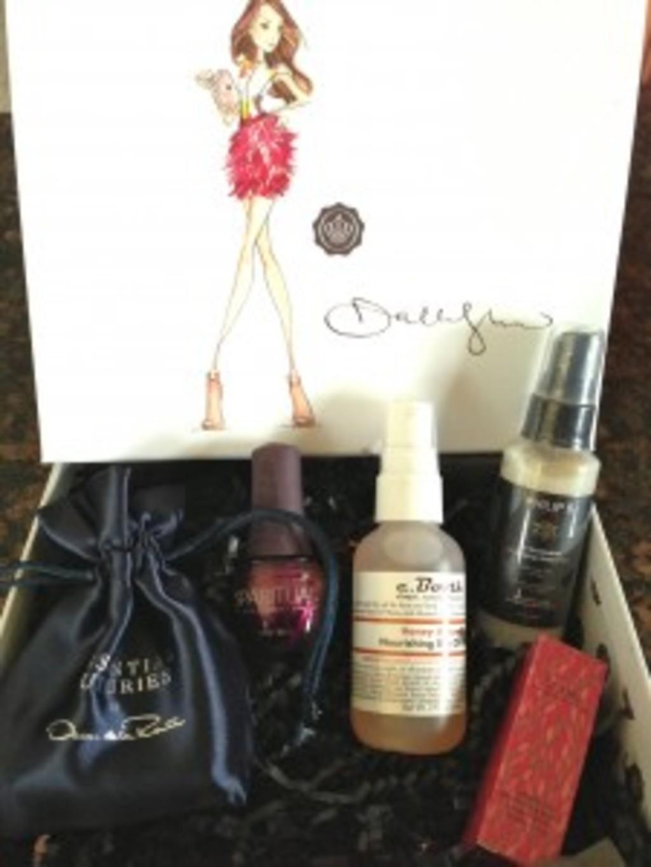Dallas Shaw GLOSSYBOX Review + Coupon Code – June 2013