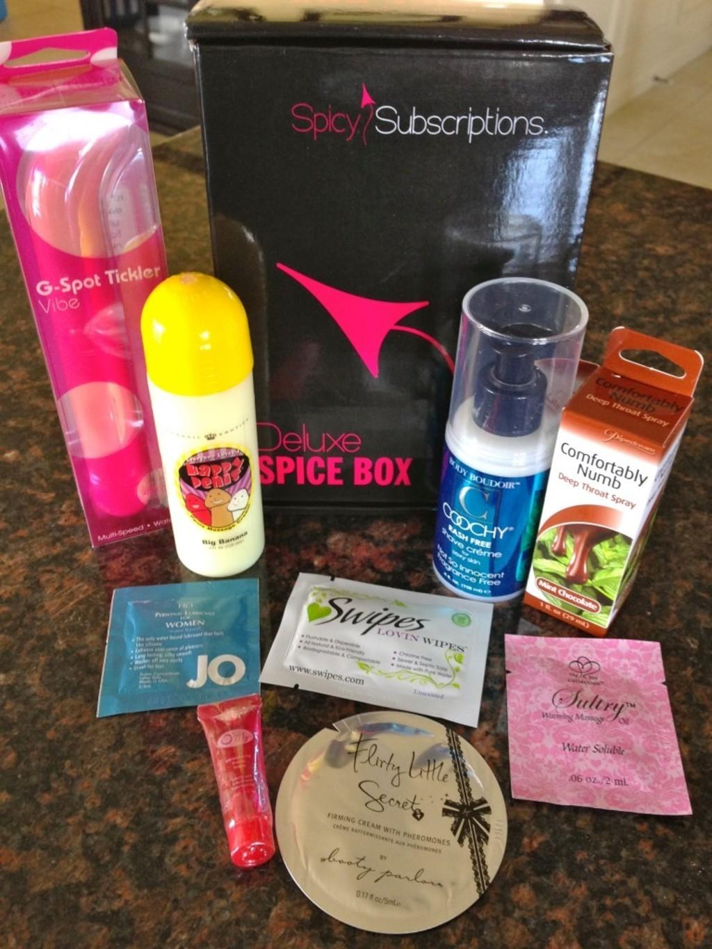 Spicy Subscriptions July Deluxe Spice Box