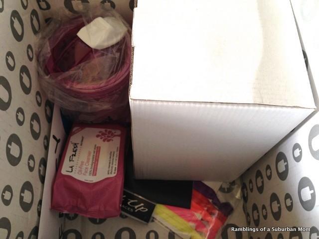 August 2014 Jennifer Love Hewitt Fancy Box